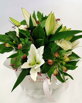 Roses and Lilies Posy